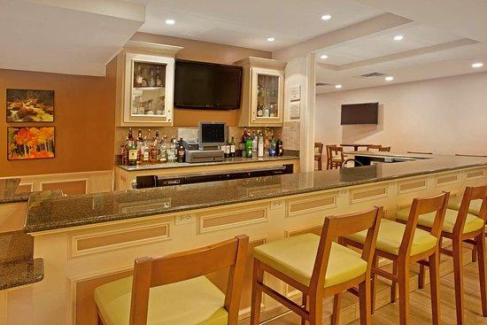 hilton garden inn fort collins 129 1 7 6 updated. Black Bedroom Furniture Sets. Home Design Ideas