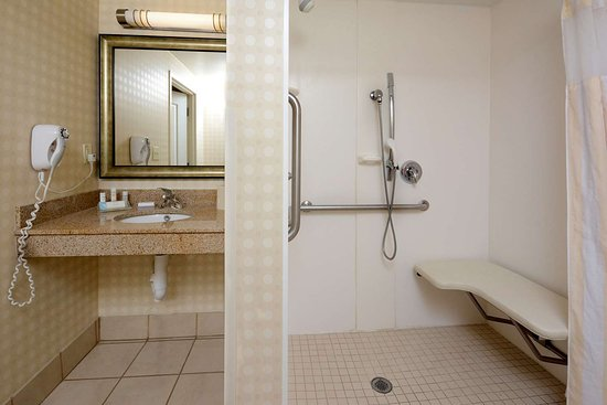 Hilton Garden Inn Greensboro: Guest room