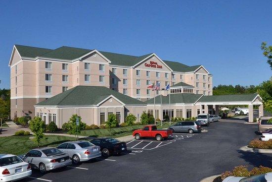 Hilton Garden Inn Greensboro: Exterior
