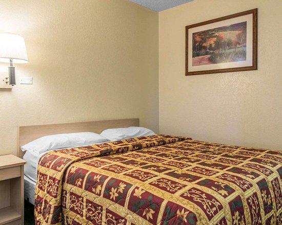 رودواي إن بويبلو سي أو: Guest room with one bed