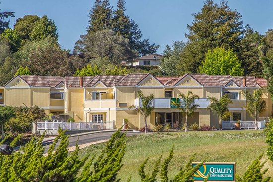 Quality Inn and Suites Capitola By the Sea: Hotel exterior