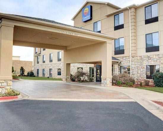 Comfort Inn & Suites Russellville