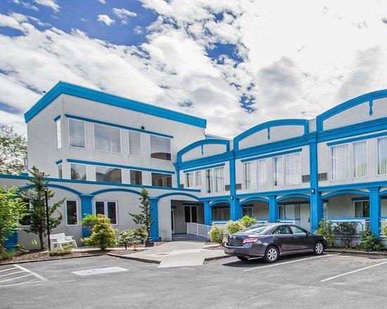 Econo Lodge Inn & Suites Old Saybrook