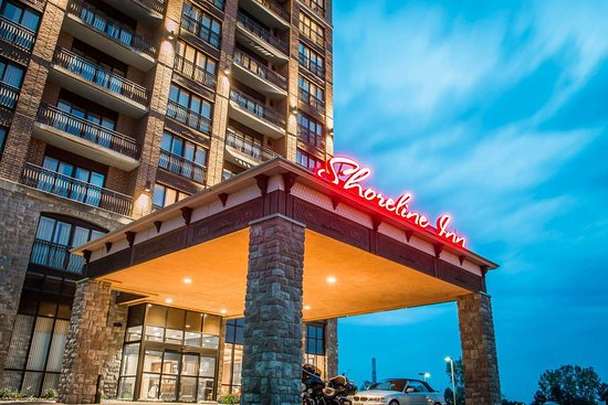 Shoreline Inn & Conference Center, an Ascend Hotel Collection Member: Hotel entrance