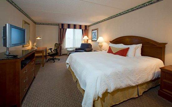 Hilton Garden Inn Chesapeake/Greenbrier Hotel