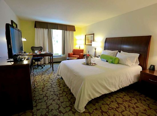 Devens, MA: Guest room