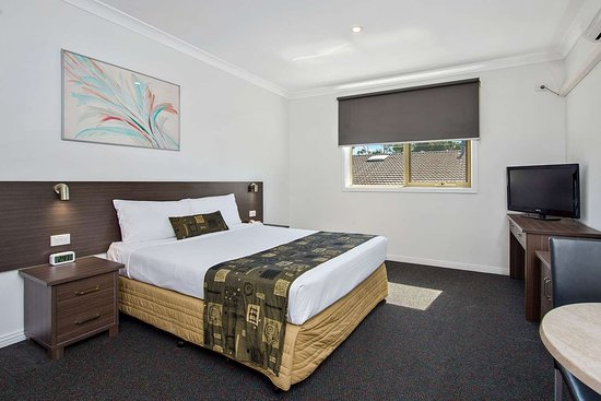 Comfort Inn Dandenong: Guest room with one bed