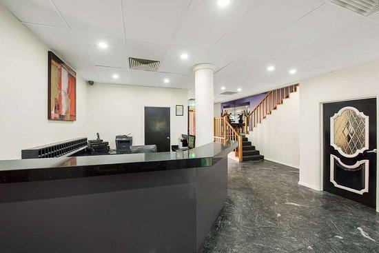 Comfort Inn Dandenong: Hotel lobby