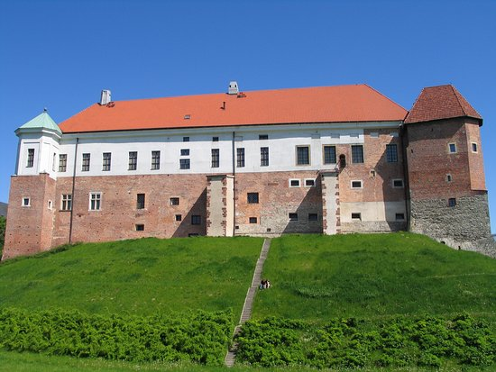 Western facade of Sandomierz Castle and Museum (photo M. Banaczek)
