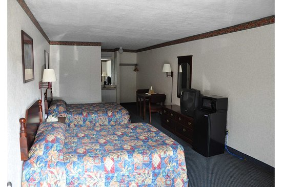 Elkmont, AL: Guest Room with Two Queen Beds