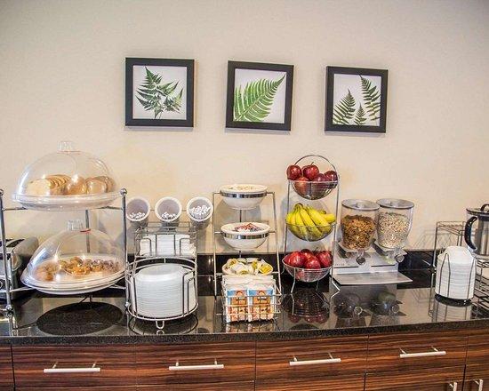Sleep Inn & Suites : Assorted breakfast items
