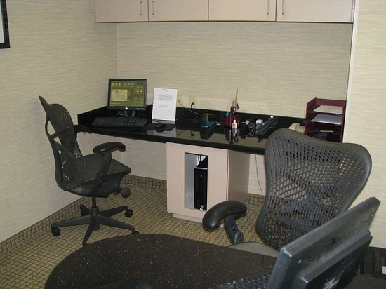 Hilton Garden Inn Richmond Innsbrook : Business Center