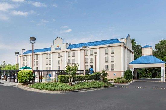 Comfort Inn & Suites: Hotel exterior