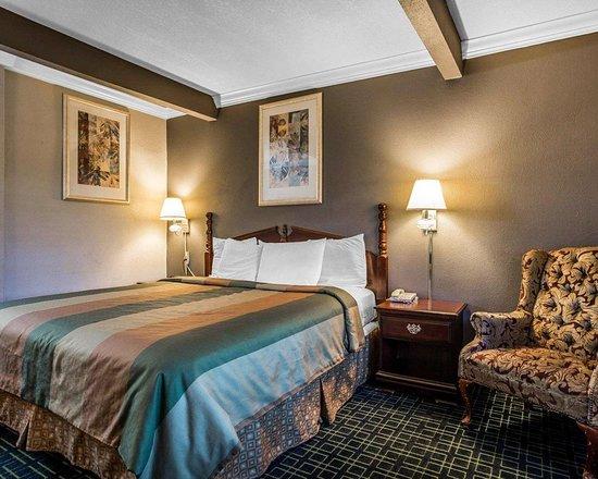 rodeway inn hollywood 140 1 6 3 updated 2018. Black Bedroom Furniture Sets. Home Design Ideas