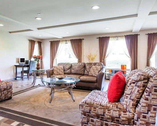 quality inn san bernardino 64 7 5 updated 2018. Black Bedroom Furniture Sets. Home Design Ideas