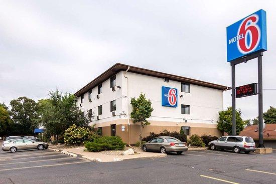 super 8 kept us homeless - Review of Motel 6 St Paul I-94