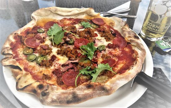 The Dukes Head: DIABLO PIZZA Chorizo, pepperoni, bacon, pork & fennel sausage, mozzarella, jalapeños and red chi
