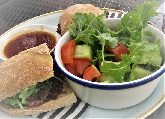 The Dukes Head: FILLET STEAK SANDWICH with caramelised red onion chutney and rocket, served with beef dripping s