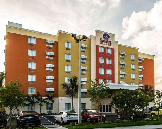 Comfort Suites Fort Lauderdale Airport South & Cruise Port Hotel