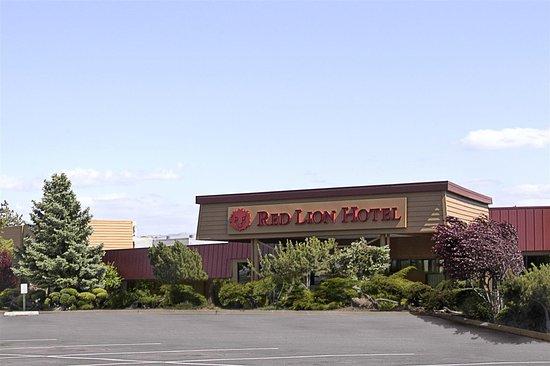 Red Lion Hotel Pendleton: Exterior view