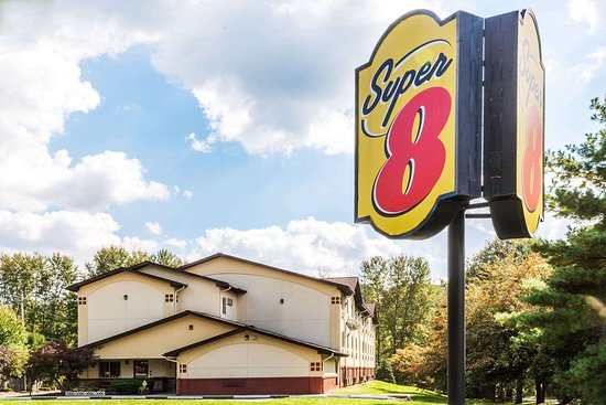 Super 8 by Wyndham Stroudsburg