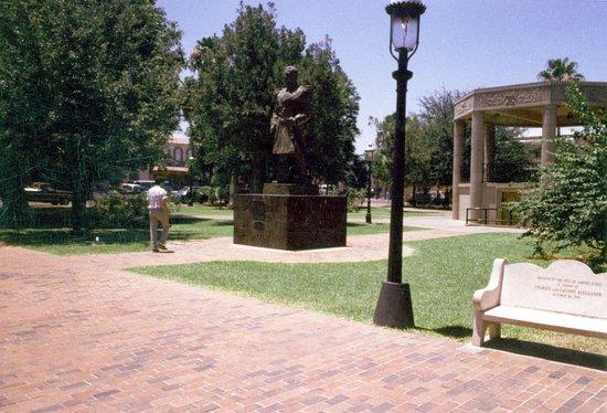 Jarvas Plaza, Laredo, Texas