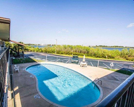Avon Park, FL: Outdoor pool