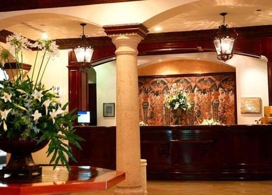 Clarion Hotel Real Tegucigalpa: Front desk