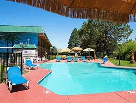 Ramada by Wyndham Grand Junction: Pool