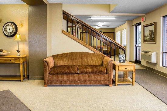 Sioux Center, IA: Hotel lobby