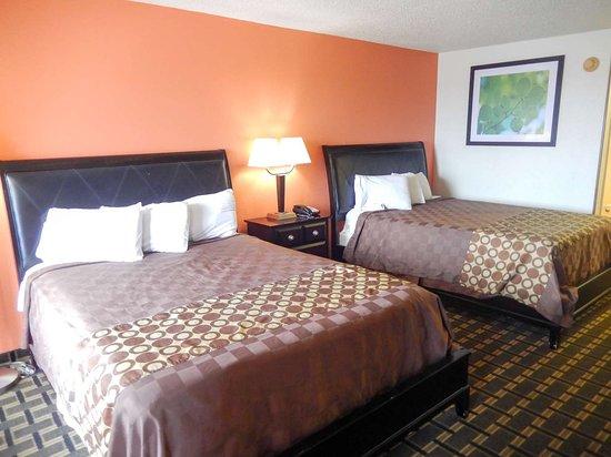 Motel 6 Shamrock