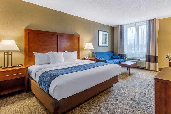 Comfort Inn Conference Center 89 ̶1̶2̶0̶ Prices