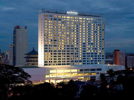 โรงแรมพูลแมน กูชิง: Exterior view