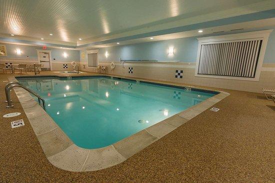 Hampton Inn by Hilton Bangor: Pool