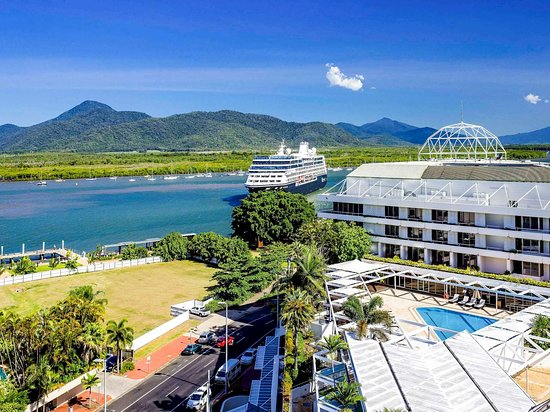 Pullman reef casino hotel cairns australia poker two high cards