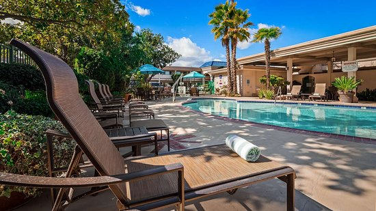Best Western Plus Black Oak : Outdoor Pool