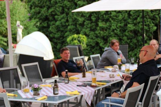 Bad Neustadt an der Saale, Germany: Bikertreff mit Grillabend auf der Sommerterrasse
