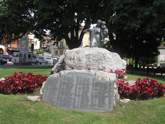 Pallanza, إيطاليا:  Monumento ai Caduti