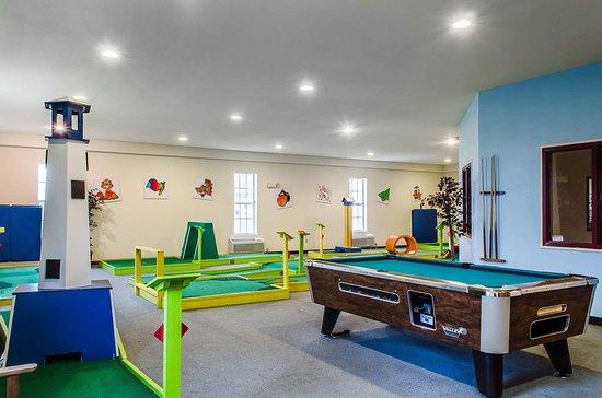 MainStay Suites Grantville - Hershey North: Game room