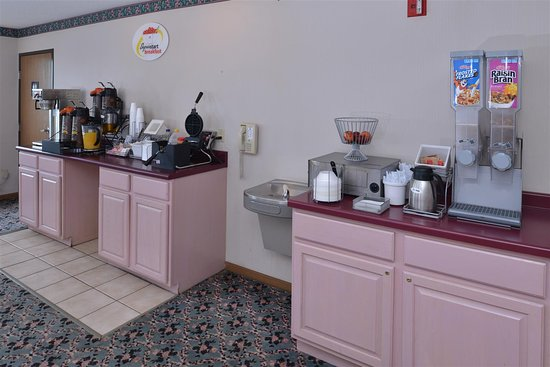 Wenona, IL: Breakfast Area