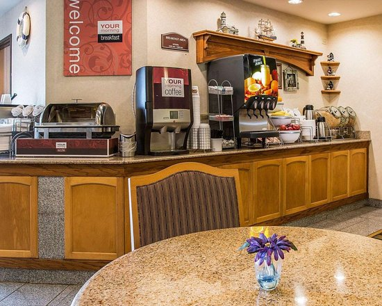 Hot And Cold Breakfast Buffet Picture Of Comfort Suites South