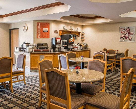 Breakfast Area Picture Of Comfort Suites South Haven South Haven
