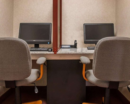 Business Center With Free Wireless Internet Access Picture Of