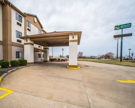 Caseyville, IL: Hotel entrance