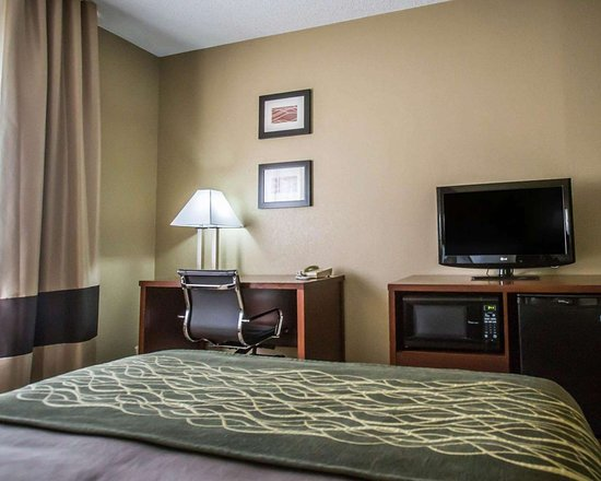Morris Comfort Inn: Guest room with added amenities