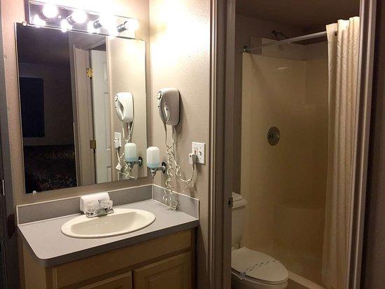Rigby, ID: bathroom