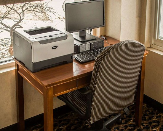 Dimondale, MI: Business center with high-speed Internet access