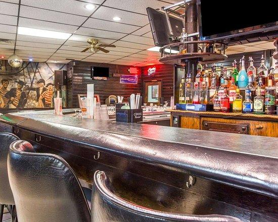 Econo Lodge Conley: Hotel bar
