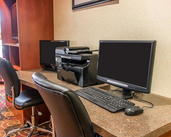 New Buffalo, MI: Business center with free wireless Internet access