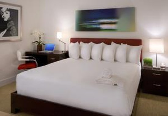 The MAve Hotel: King